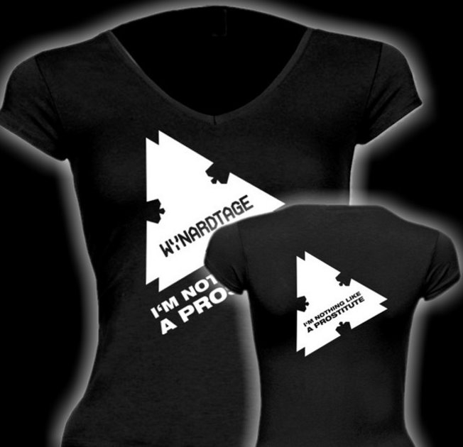 Only one free item can be redeemed per order! WYNARDTAGE I'm Nothing Like A Prostitute GIRLIE-SHIRT Grösse L